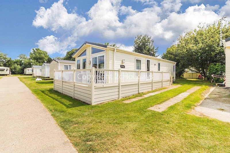 Luxury lodge at Broadland Sands Holiday Park in Suffolk, ref 20349BS, holiday rental in Corton