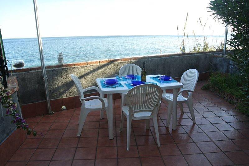 Taormina Mare Home meraviglioso appartamento direttamente sul mare.., alquiler vacacional en Forza d'Agro