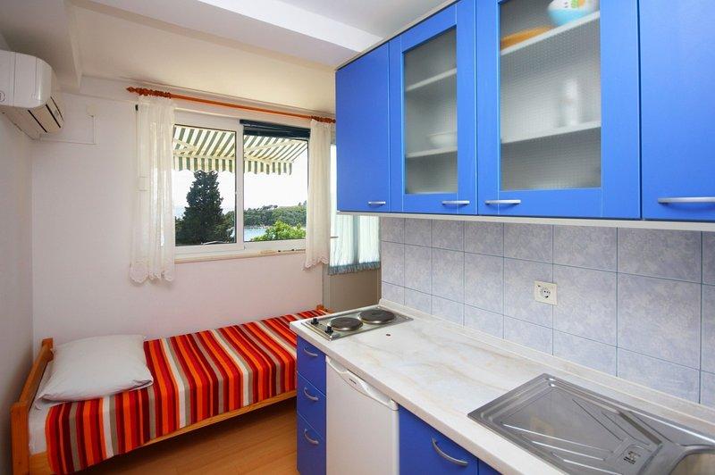Holiday home 142461 - Holiday apartment 123975, vacation rental in Srebreno