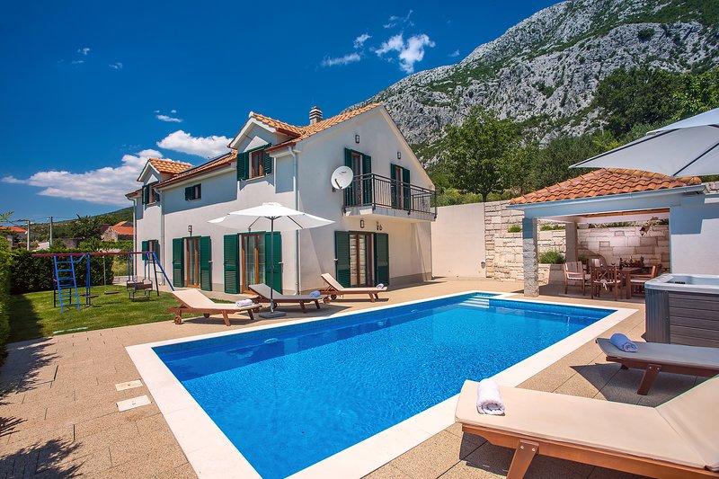 Villa Kuvacic, alquiler de vacaciones en Omis
