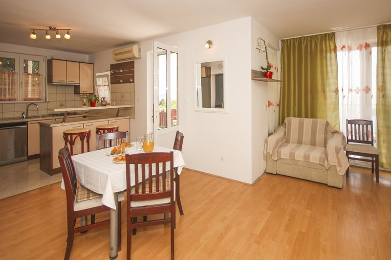 Holiday home 142461 - Holiday apartment 223656, vacation rental in Srebreno