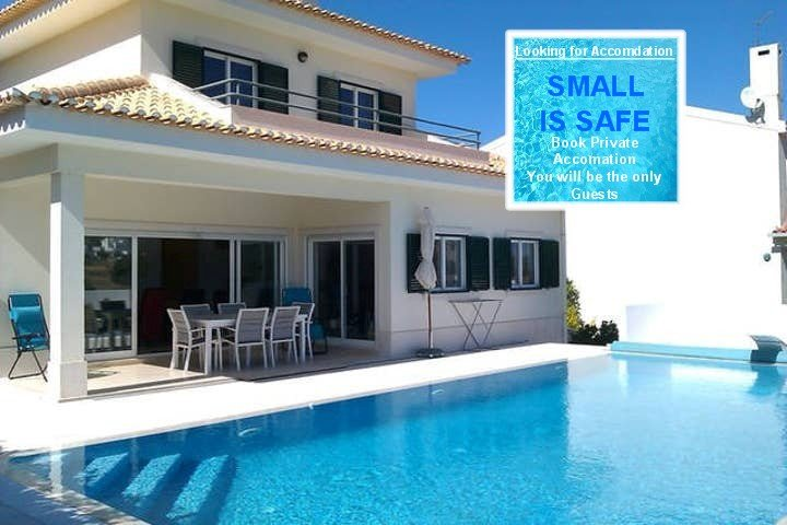 Lovely Villa & Swimming Pool with Beautiful View Nr Sesimbra, sleeps 8, holiday rental in Sesimbra