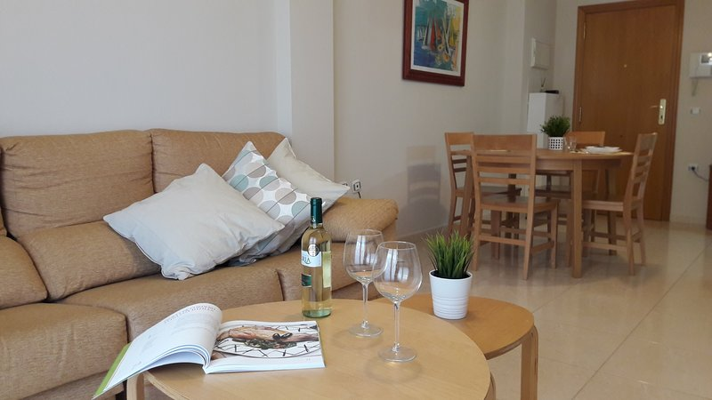 62 m² cozy with pool, garage,WIFI & Netflix Free, holiday rental in Pucol