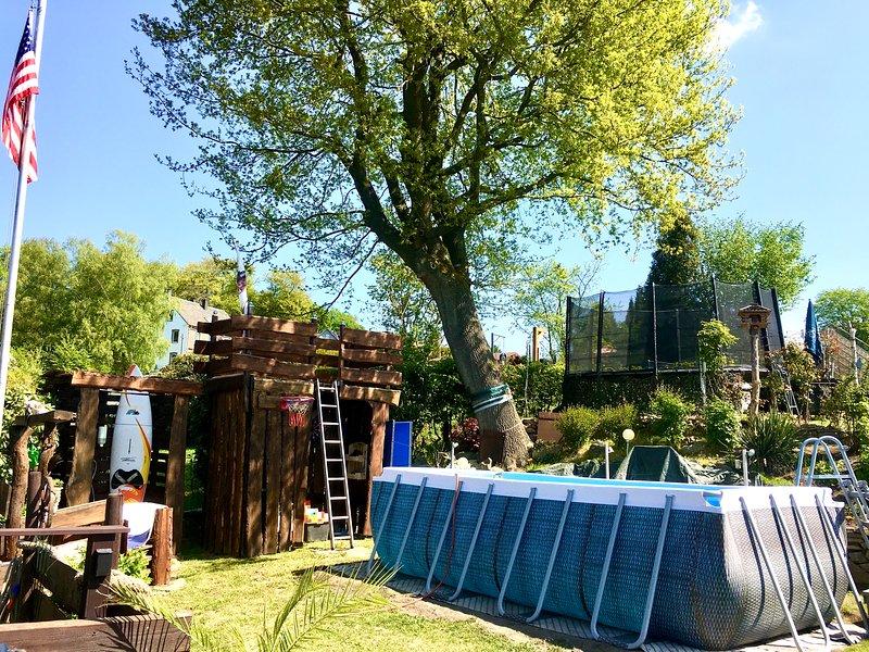 FRANKES LODGE Apartment mit Garten und Pool, Ferienwohnung in Ennepetal