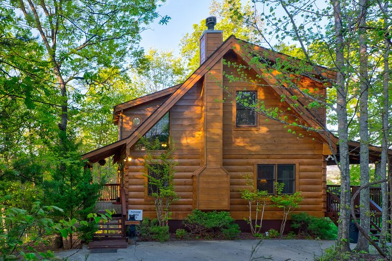 Paradise Ridge Log Cabin, vacation rental in Pigeon Forge