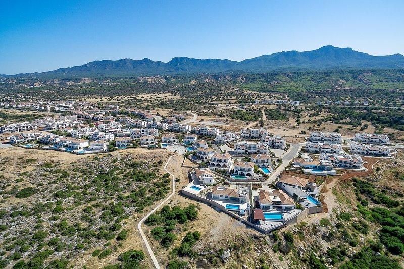 Sea Magic Premium C4/3-3 Bedroom Apartment, holiday rental in Agios Amvrosios