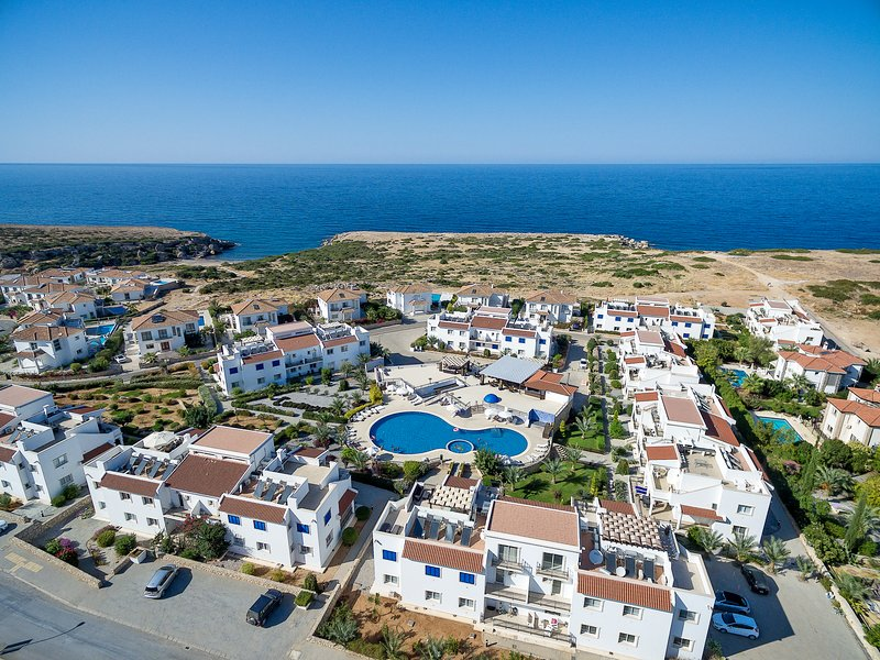 Sea Magic Park A1/2-2-bed garden apartmen, holiday rental in Agios Amvrosios