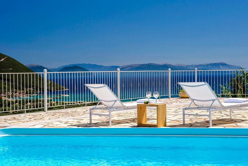 Villa Afteli With Pool & Spectacular Ocean Views, aluguéis de temporada em Ponti Agiou Petrou