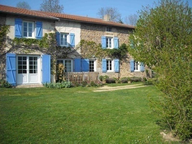 Les Volets Bleus, holiday rental in Saint-Jean-Saint-Maurice-sur-Loire