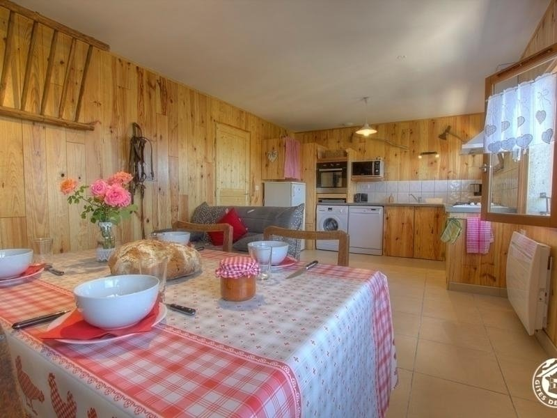 Du Soja, vacation rental in La Balme-les-Grottes