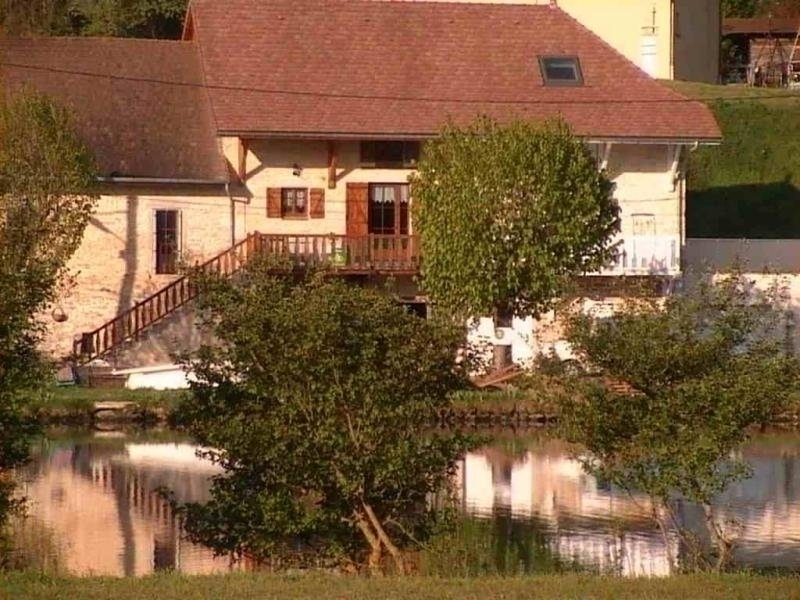 Belle rive, holiday rental in Hieres-sur-Amby