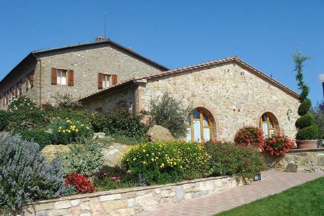 Apt Zafferano: Tuscany contemporary apartment, holiday rental in Badia a Cerreto