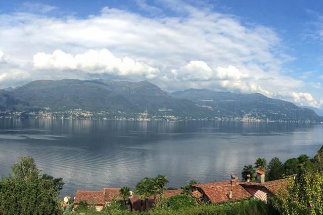 2 bedroom villa with lake views, vacation rental in Porto Valtravaglia