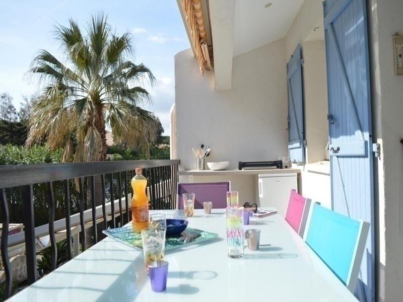 Appt 2 pièces cabine 4 couchages SAINTE MAXIME, holiday rental in Sainte-Maxime
