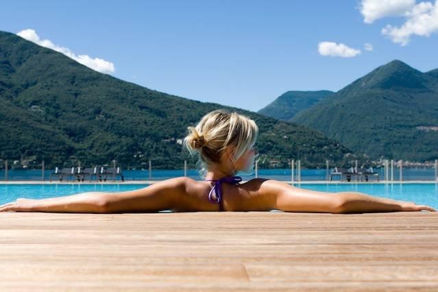 3 bed Lake Maggiore apartment with pool & jacuzzi, casa vacanza a Maccagno