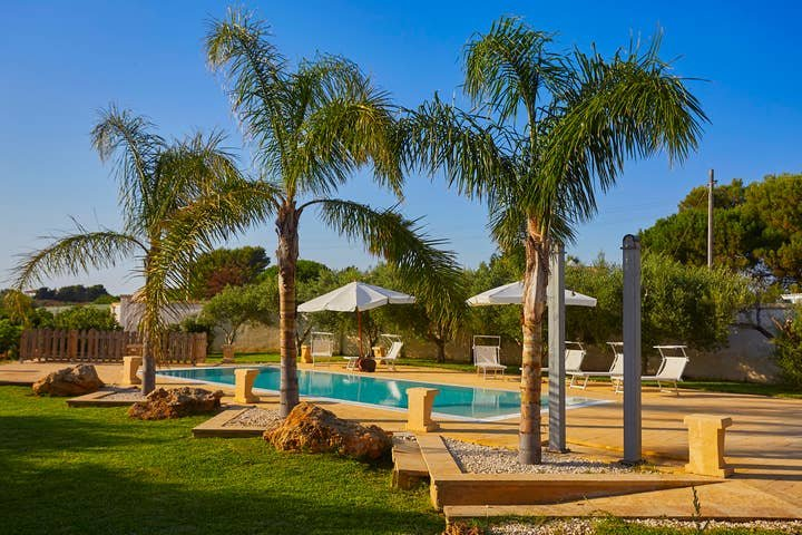 5 bedroom villa in Marsala with pool, holiday rental in Parrinello