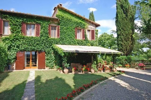 San Gimignano 6 bedroom villa with pool, holiday rental in San Gimignano