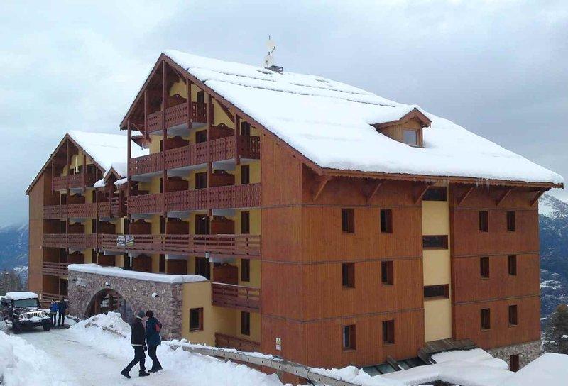 Appartement duplex risoul 1850 antares 7/8 personnes, aluguéis de temporada em Risoul