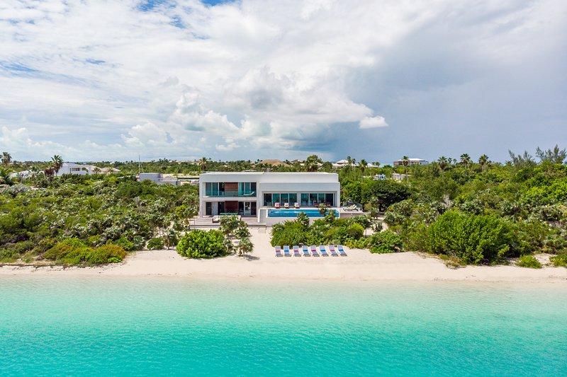 Villa Allegria - Beachfront, alquiler de vacaciones en Leeward