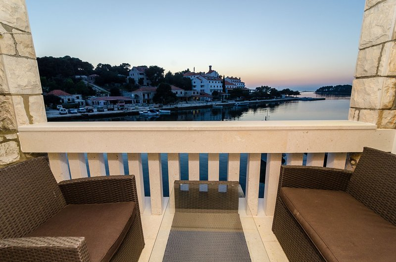 Guest House Kiko - One-Bedroom Apartment with Balcony and Sea View (A4), holiday rental in Polace