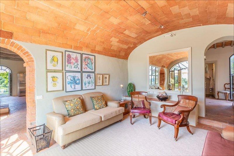 Stunning Tuscany 6 bedroom villa with pool, WIFI, BBQ, casa vacanza a Asciano