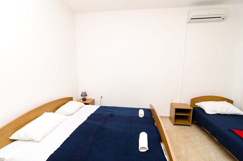 Guest House Kiko - Studio (A3), holiday rental in Polace