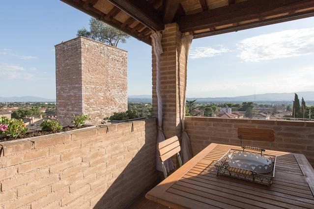 2 bedroom historic apartment Spello, location de vacances à Pale