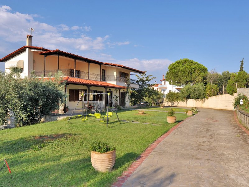 Halkidiki Family Villa Garden - Nea Moudania Halkidiki, location de vacances à Nea Triglia