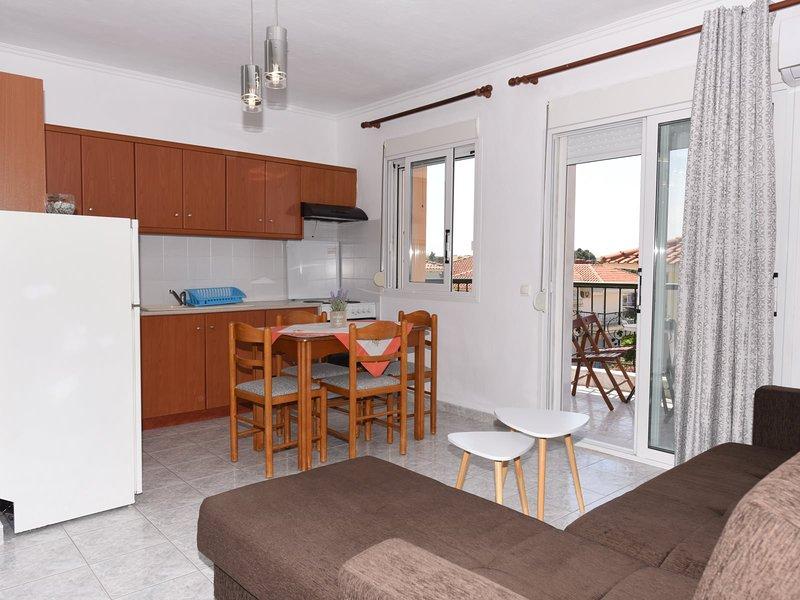 Isolde Apartment - Kallithea Halkidiki, holiday rental in Afytos
