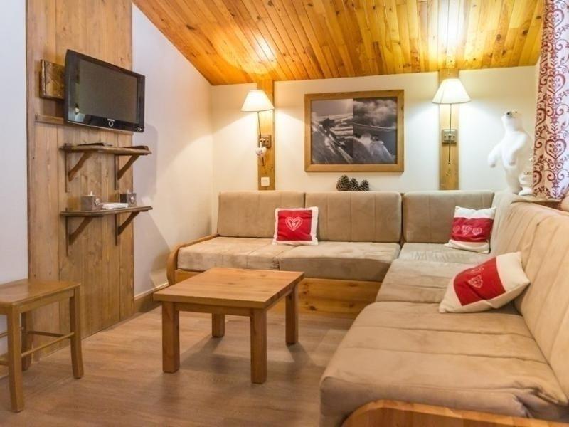 Bel appartement duplex proche du centre, holiday rental in Montchavin