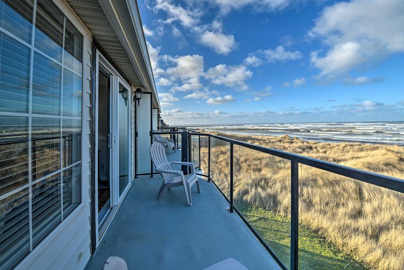 'Eagles View' Condo in Ocean Shores w/ 3 Balconies, location de vacances à Ocean Shores