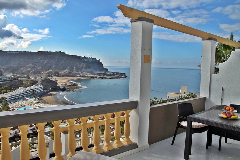 UNIQUE SEA VIEW! MEERBLICK APARTMENT MONSENOR, WiFi, Air Condition incl., vacation rental in Mogan