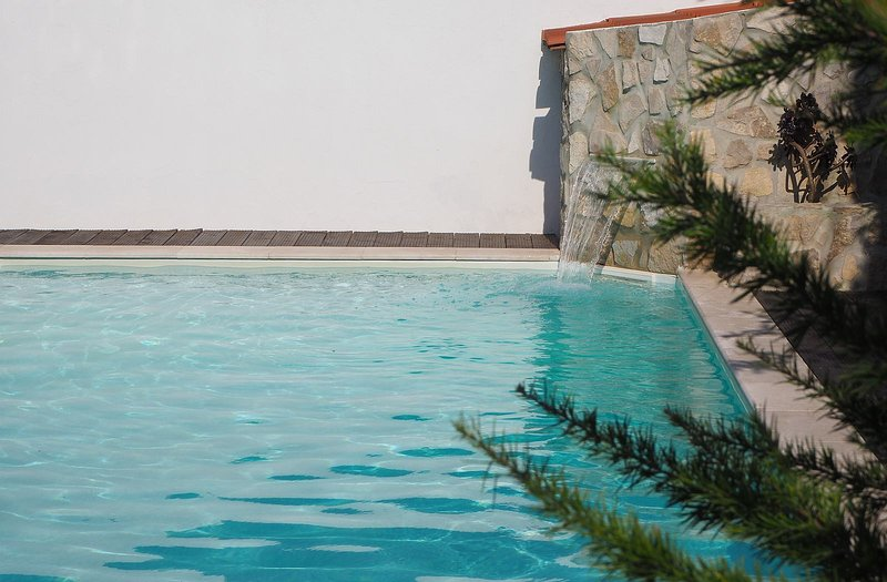 Silvercoast Apartments-Rincon- Pool and Jacuzzi, holiday rental in Leiria District