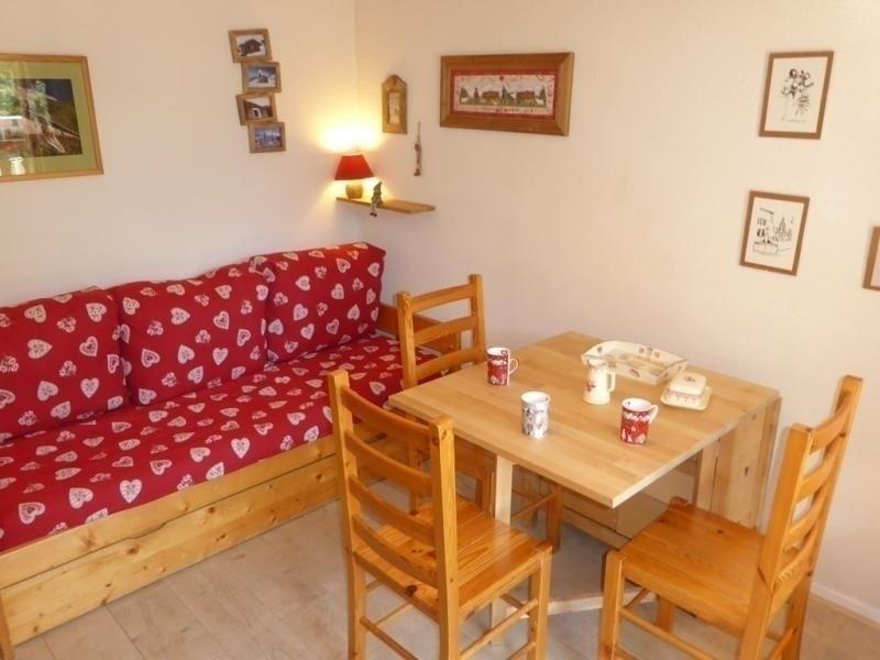 Appartement 4 personnes, esprit montagne, centre village proche des remontées, location de vacances à Areches Beaufort