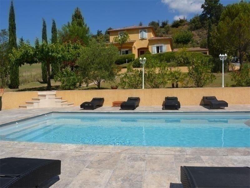 Villa de standing avec piscine 8 personnes, holiday rental in Lanas