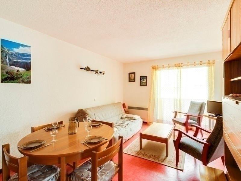 Appartement avec une chambre et place de parking., vacation rental in Cauterets