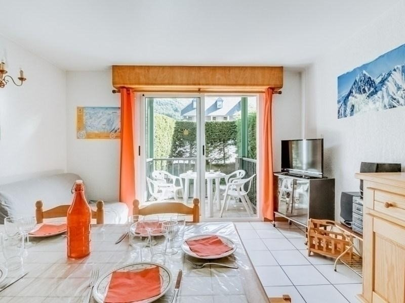 APPARTEMENT T2 CABINE 6 PERSONNES  AVEC PISCINE PARKING, holiday rental in Esquieze-Sere