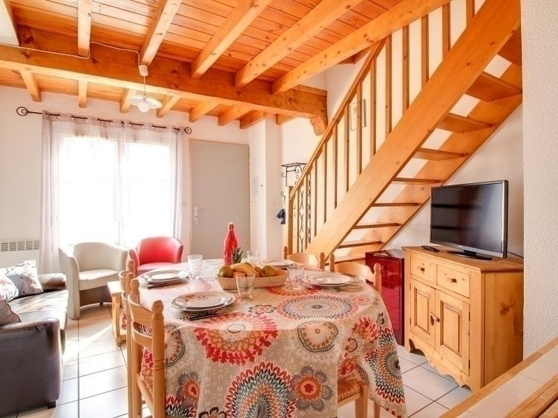 APPARTEMENT 4 PIECES TRIPLEX 6 PERSONNES,CALME,TERRASSE, holiday rental in Esquieze-Sere