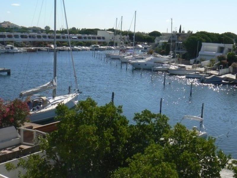 Grande marina triplex avec appontement, location de vacances à Port Camargue