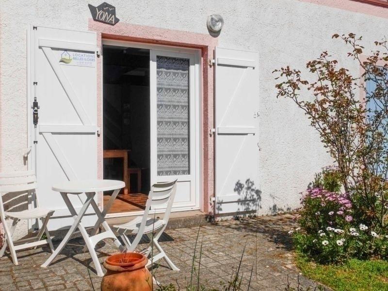 Maison agréable à 800 M de la plage, de 2 chambres avec petit jardin., vacation rental in Locmaria