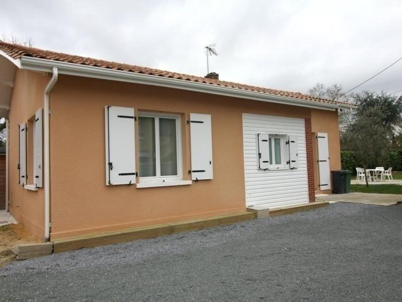 Location Gîte Ambarès-et-Lagrave, 3 pièces, 4 personnes, vacation rental in Saint-Sulpice-et-Cameyrac