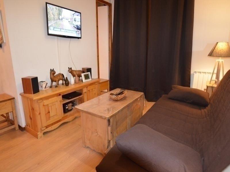 Appartement chaleureux avec vue sur les pistes, vacation rental in Le Bettaix
