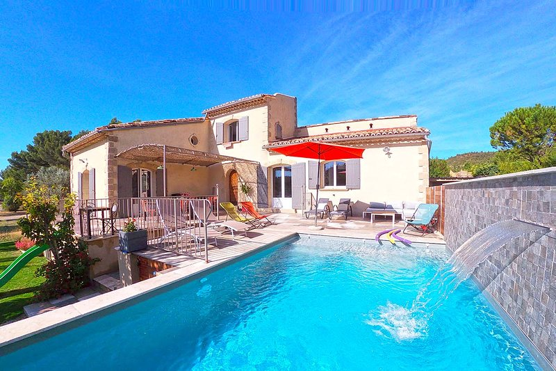 Your house rental for your holidays with familly and friends, location de vacances à Eyguières