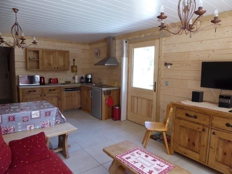 Agréable rez de jardin dans beau chalet, holiday rental in Pralognan-la-Vanoise