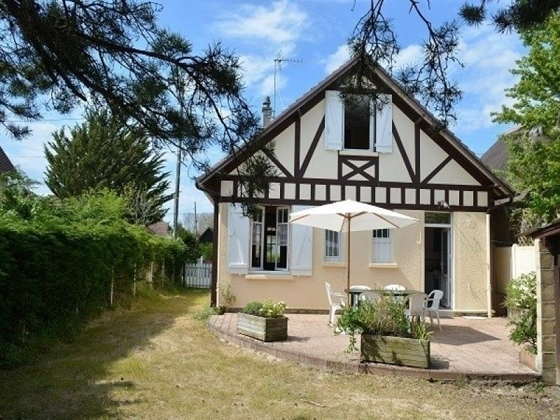 Maison pour vacances dans station balnéaire familiale, casa vacanza a Merville-Franceville-Plage