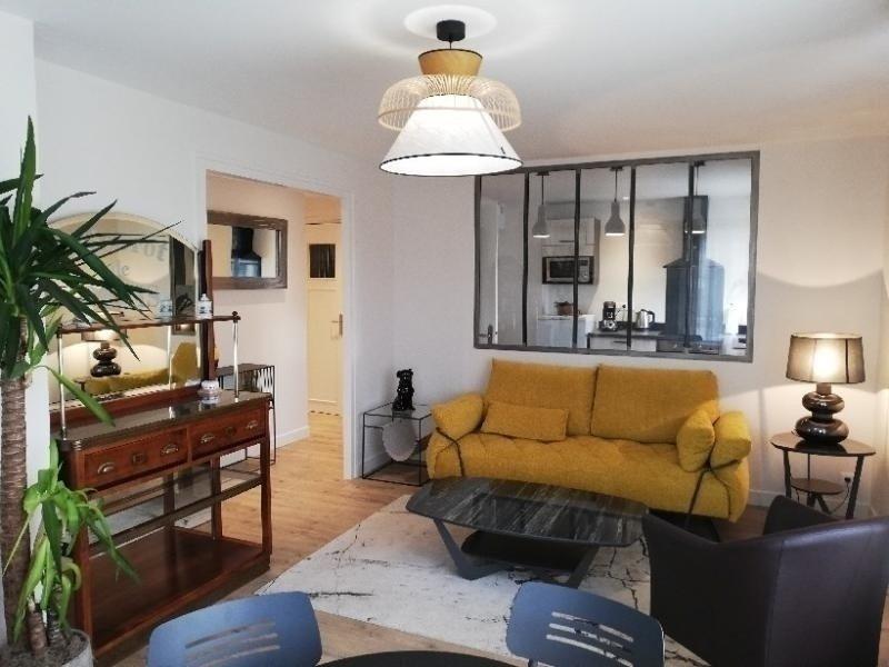 Au pied des commerces et de la plage, appartement 4 personnes, casa vacanza a Merville-Franceville-Plage