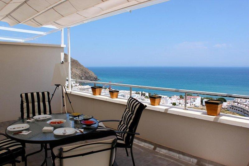 Ático de ensueño, vistas increíbles a la bahía de Carboneras, alquiler de vacaciones en Carboneras