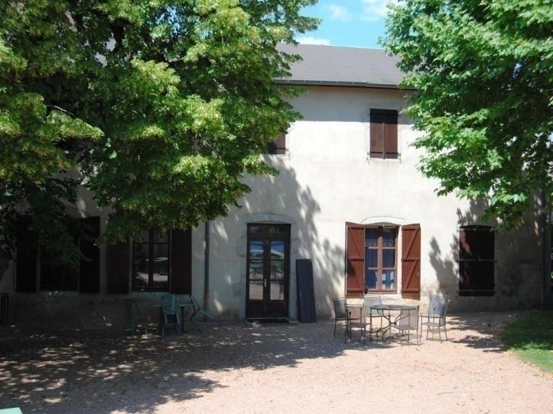 Le Bourg d'Arfeuilles, holiday rental in Saint Bonnet des Quarts