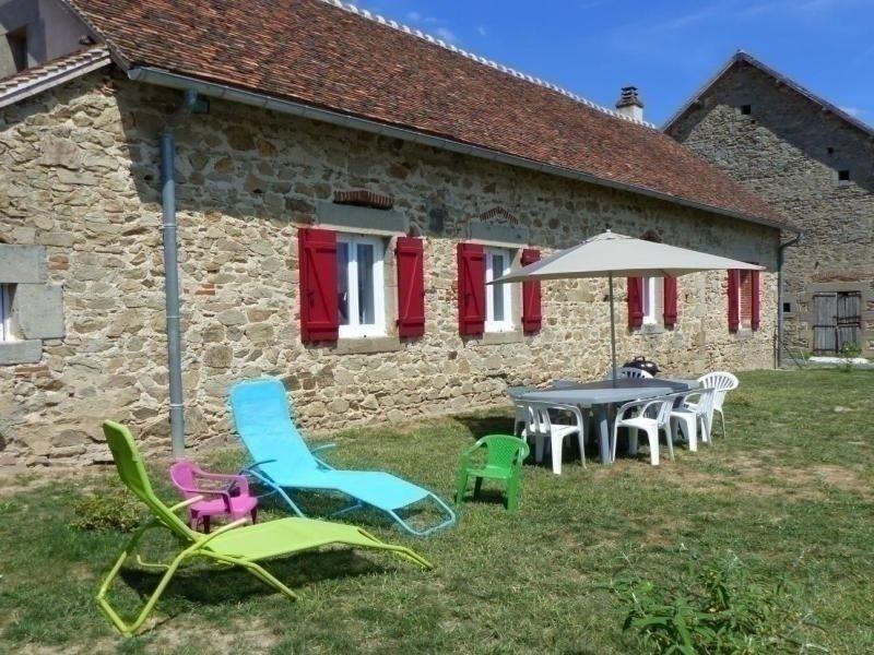 du Domaine du bois, casa vacanza a Saint-Sornin