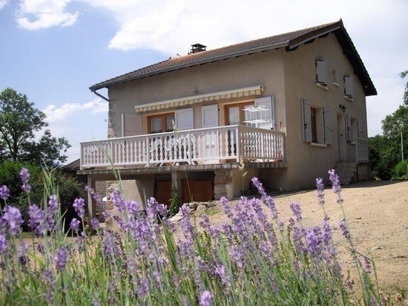 Location Gîte La Tuilière, 4 pièces, 8 personnes, vacation rental in Lavoine